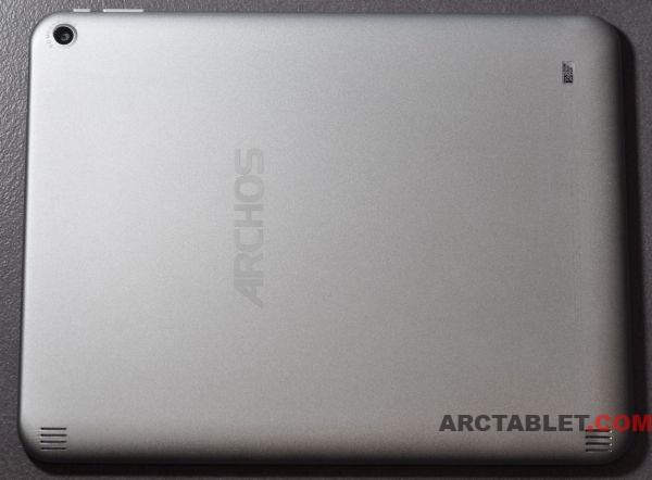ARCHOS_97_Titanium_tablet_back_DSC_0368b