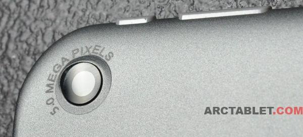 ARCHOS_97_Titanium_ARCHOS_style_back_camera_HD_DSC_0375b