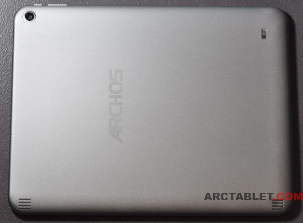 ARCHOS_97_Titanium_tablet_back_DSC_0368b