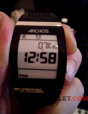ARCHOS_SmartWatch_E_Ink_b