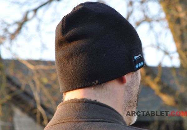 Bluetooth_Beany_hat_music_Eugene_side_DSC_0097_600x